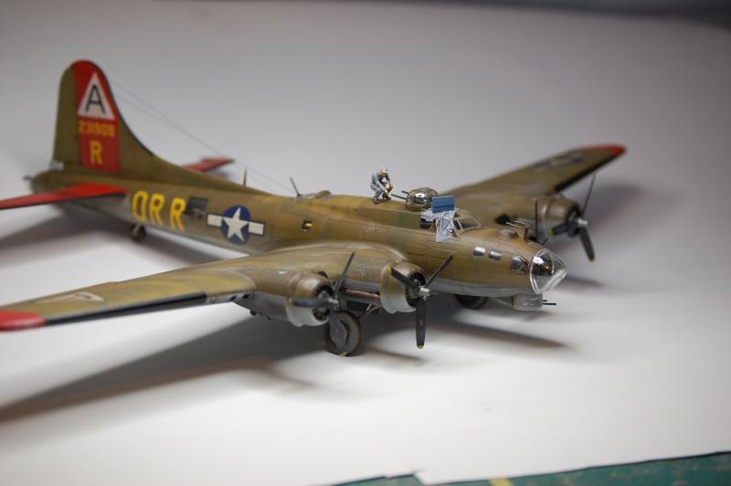 [Revell] - Boeing B-17G - Nine-o-nine - 1/72ème B-17_949