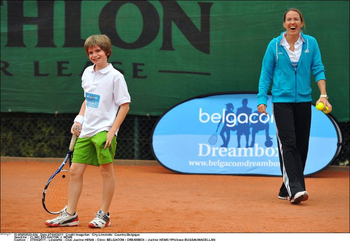 Justine Henin - 3 - Page 3 24940210