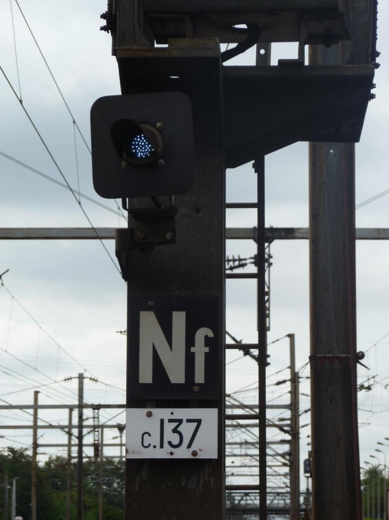 feux de voies de chemin de fer 1610
