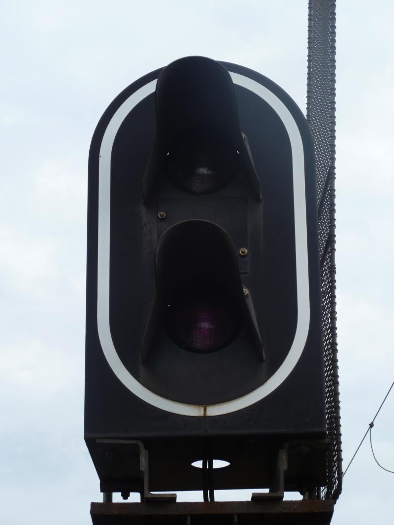 feux de voies de chemin de fer 310