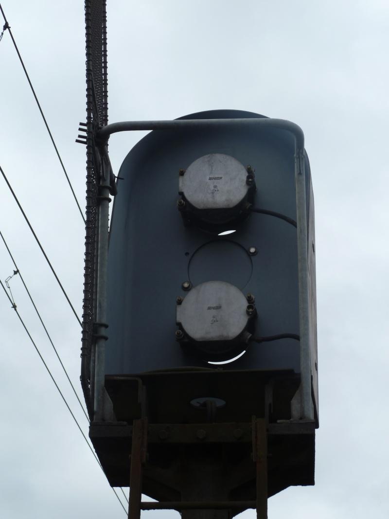 feux de voies de chemin de fer 410