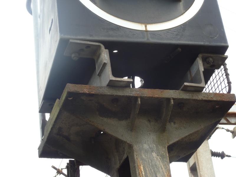 feux de voies de chemin de fer 810