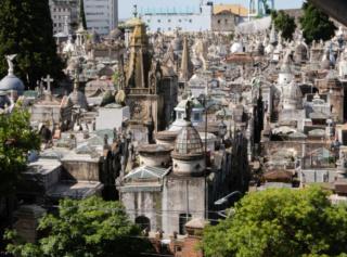 Top 5 des cimetières aux légendes étranges An-aer10
