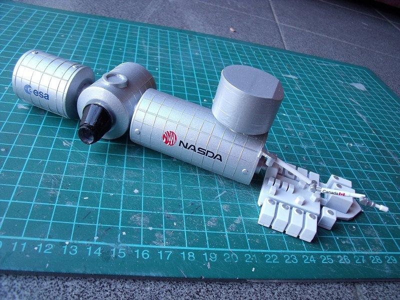 Construction d'une maquette de l'ISS Dscf1916