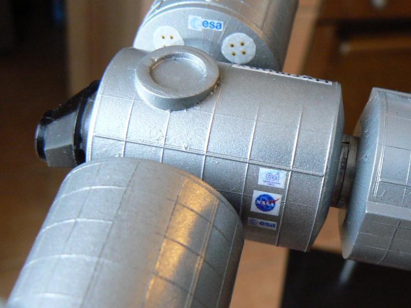 Construction d'une maquette de l'ISS P1210412