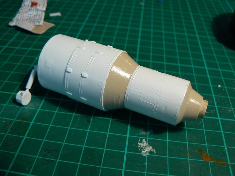 Construction d'une maquette de l'ISS P1210415