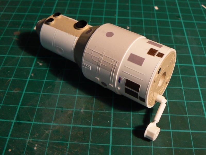 Construction d'une maquette de l'ISS P1210416