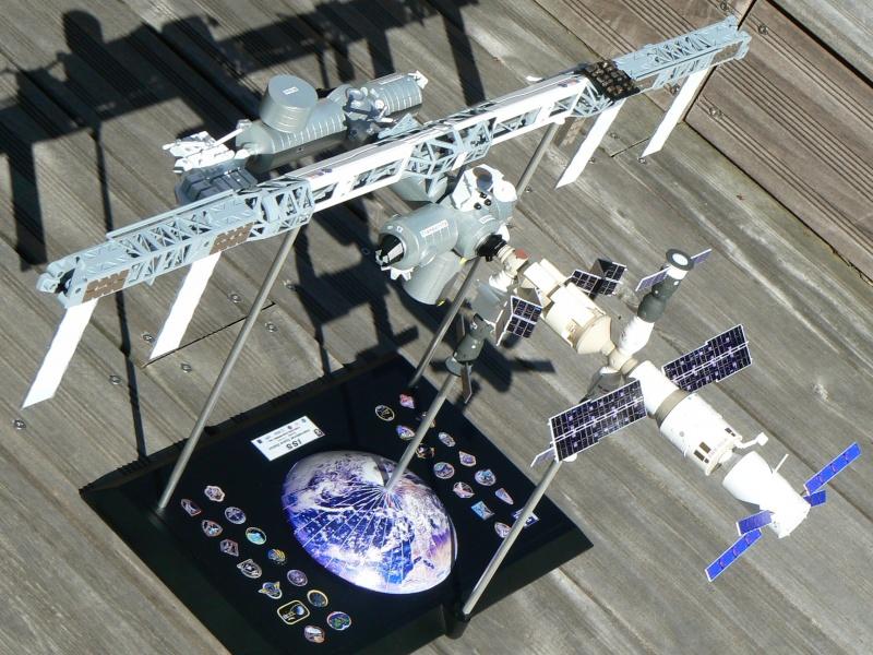 Construction d'une maquette de l'ISS P1210514