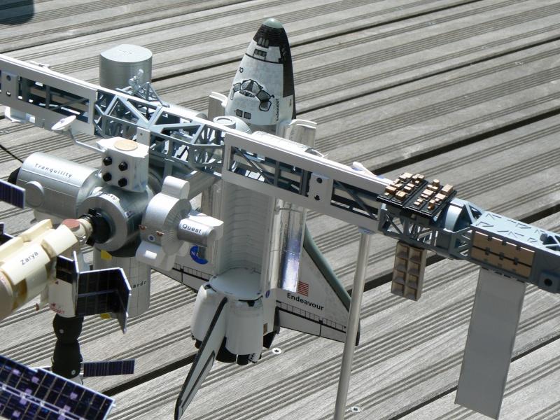 Construction d'une maquette de l'ISS - Page 2 P1210716