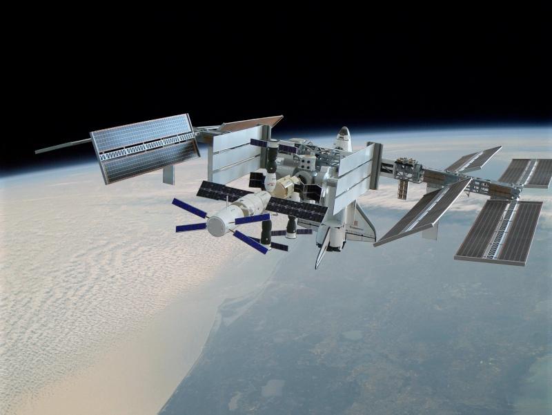 Construction d'une maquette de l'ISS - Page 2 P1210722