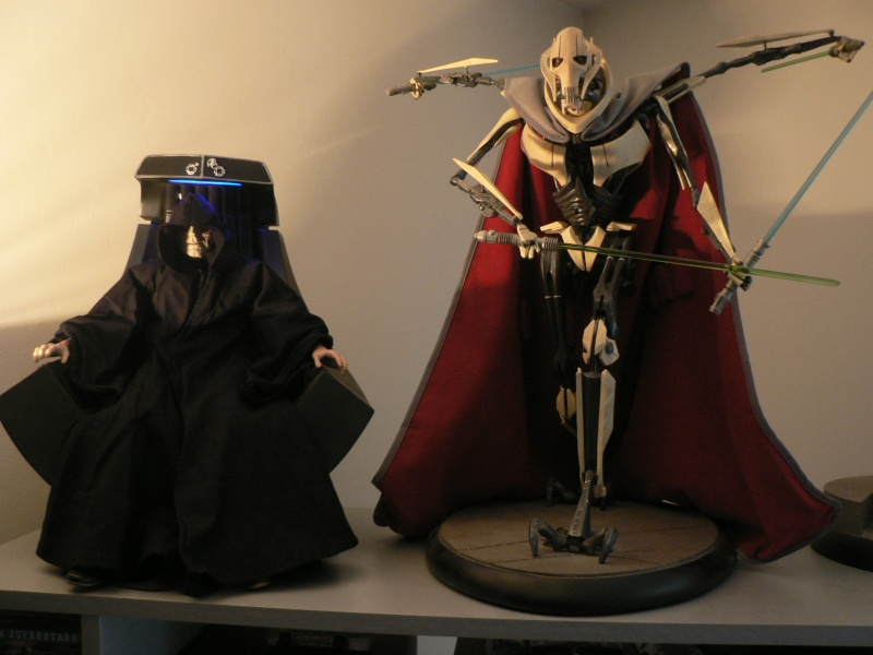 STAR WARS: EMPEROR PALPATINE ON THRONE Premium format P1160341