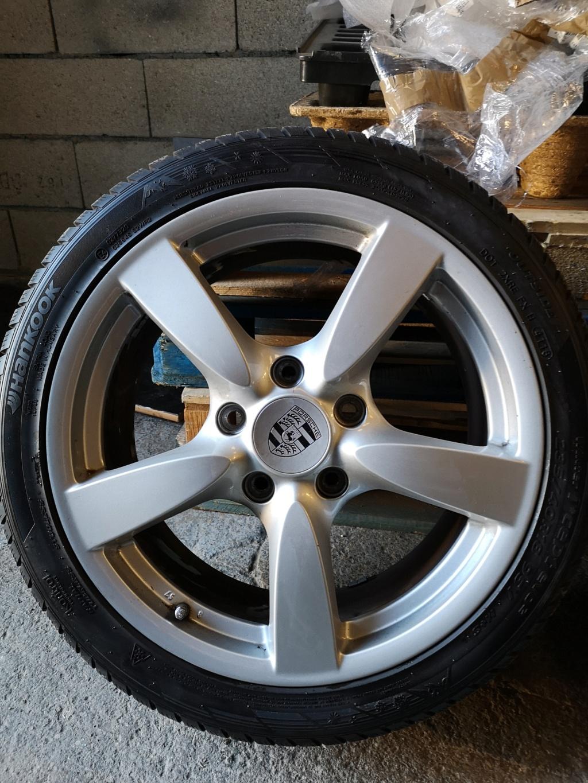 4 jantes origine Cayman S, avec une monte de pneus hiver quasi neufs Img_2017