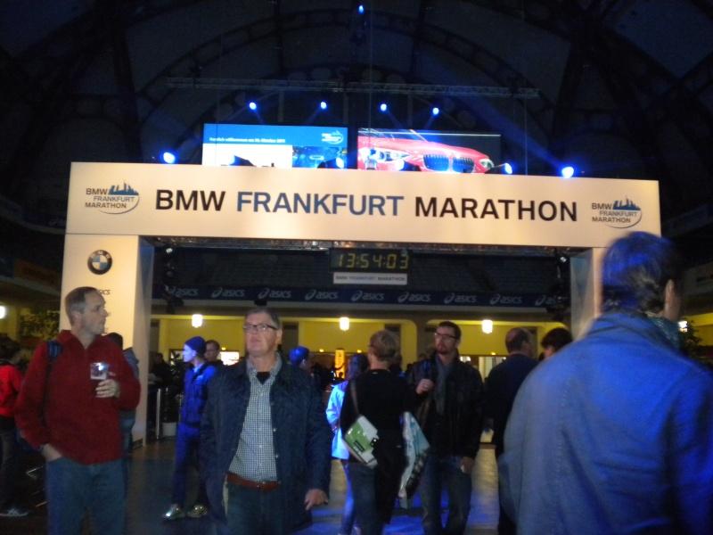 JP et ISA au marathon Francfort le 30 octobre Dscn6912