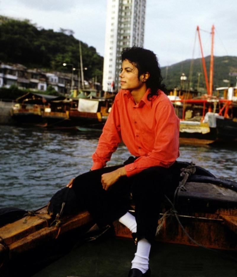 Vos photos favorites de Michael - Page 25 Mj_in_11