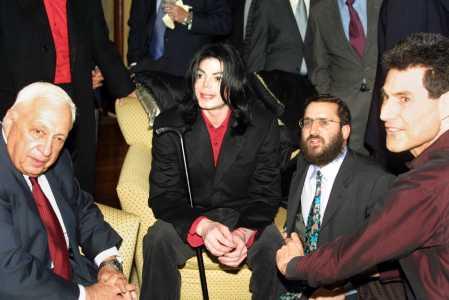 Michael et les Grands Hommes de ce monde Sharon10