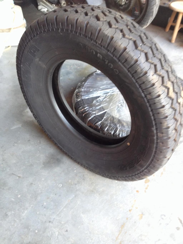 5 pneus neufs TIGAR 40414410