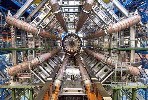 A la recherche de la particule manquante : le Boson de HIGGS Atlas_10