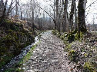 Dernières neiges d'hiver en vallée du Louron 07310