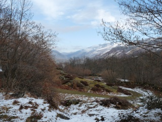 Dernières neiges d'hiver en vallée du Louron 08010