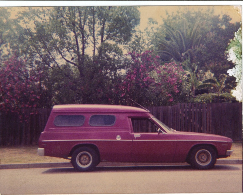'73 HQ Panelvan  000110