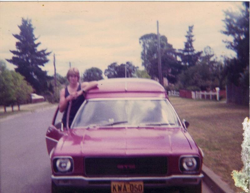 '73 HQ Panelvan  00110