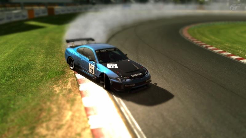 Gran Turismo 5 sur PS3 =) Tsukub10