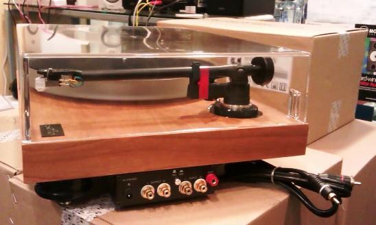 amari turn table LP-10 (SOLD) A211