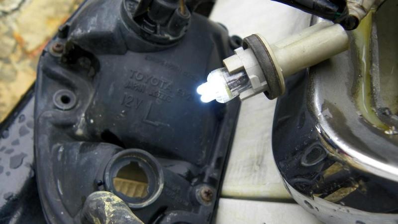 [Eclairage] des LED sur nos vieux Toy 430_0023