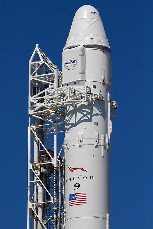 SpaceX / COTS-2: Lancement et suivi de la mission. Sans1011