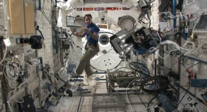 [ISS] Expédition 31: Déroulement de la mission - Page 2 Sans1055