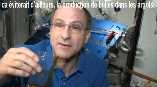 """La « Pettit » Expérience (Le """"space"""" Gobelet). Sans1093"""