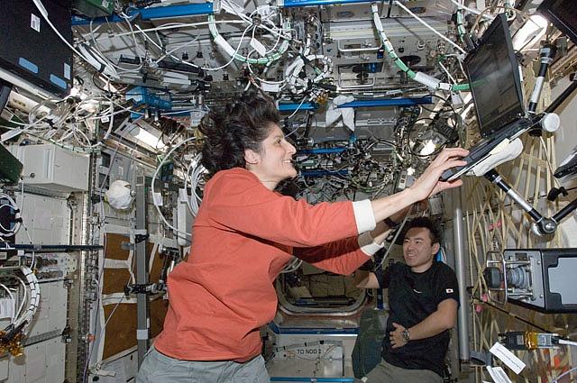 ISS: Expédition 33 (Déroulement de la mission) - Page 2 Sans1159