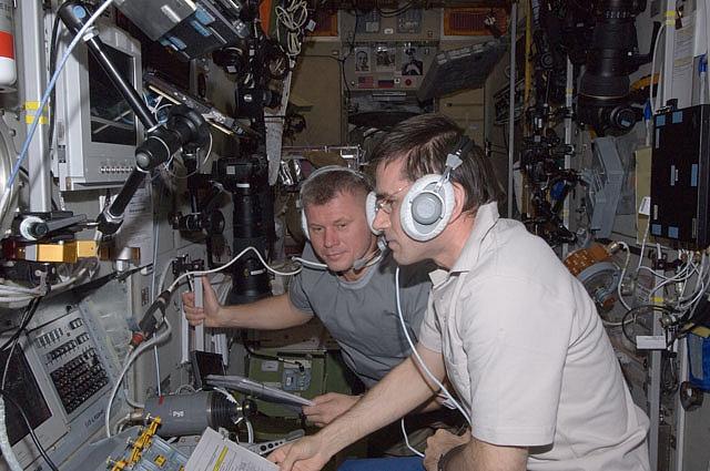 ISS: Expédition 33 (Déroulement de la mission) - Page 2 Sans1167