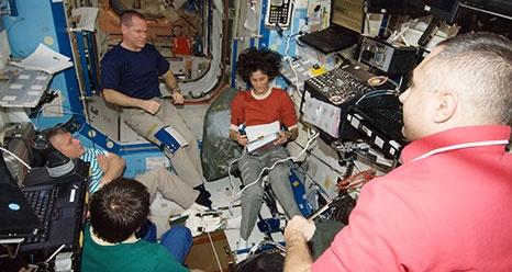 ISS: Expédition 33 (Déroulement de la mission) - Page 2 Sans1172