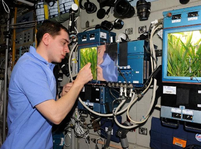 [ISS] Expedition 29: Déroulement de la mission. Sans_270