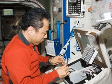 [ISS] Expedition 29: Déroulement de la mission. - Page 2 Sans_312
