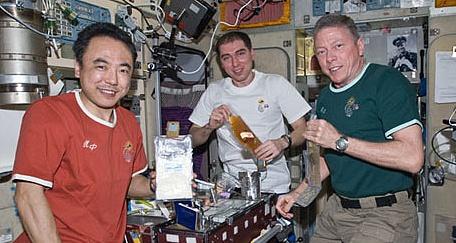 [ISS] Expedition 29: Déroulement de la mission. - Page 2 Sans_340