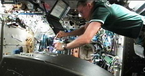[ISS] Expedition 29: Déroulement de la mission. - Page 2 Sans_344