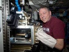 [ISS] Expedition 29: Déroulement de la mission. - Page 2 Sans_355