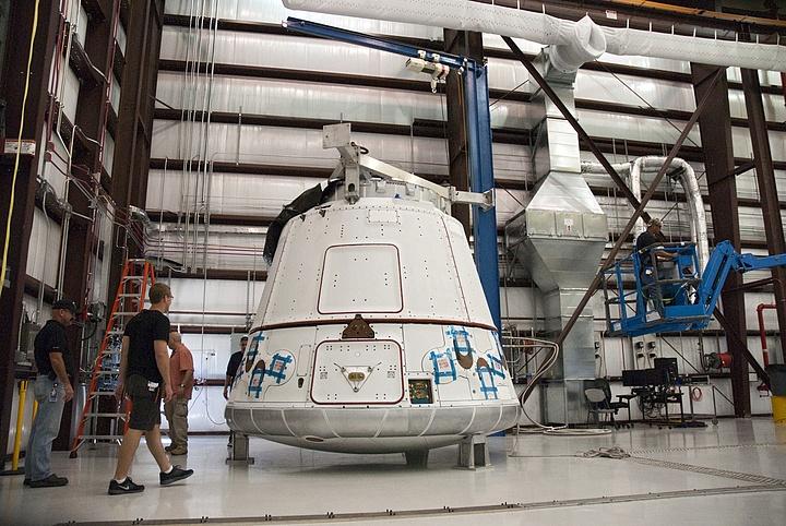 Falcon 9 / Dragon COTS-2: Préparatifs (Lancement le 19.05.2012 ) - Page 2 Sans_367
