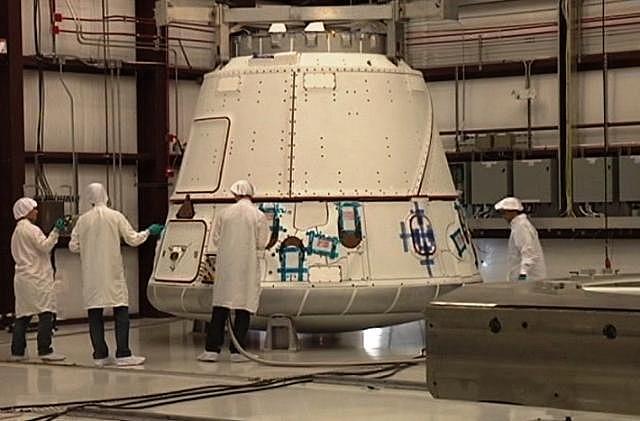 Falcon 9 / Dragon COTS-2: Préparatifs (Lancement le 19.05.2012 ) - Page 2 Sans_369