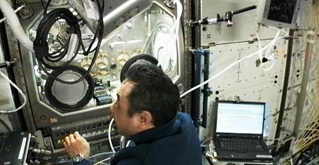 [ISS] Expedition 29: Déroulement de la mission. - Page 3 Sans_415
