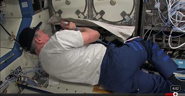 [ISS] Expedition 29: Déroulement de la mission. - Page 3 Sans_422