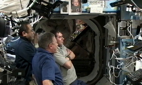 [ISS] Expedition 29: Déroulement de la mission. - Page 3 Sans_431