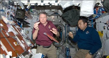 [ISS] Expedition 29: Déroulement de la mission. - Page 3 Sans_433