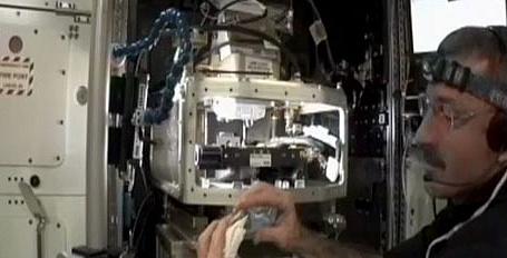 [ISS] Expédition 30: déroulement de la mission - Page 2 Sans_502