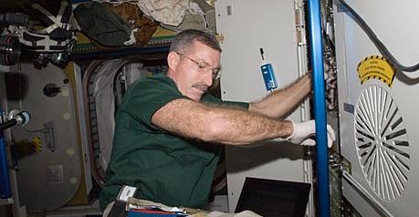 [ISS] Expédition 30: déroulement de la mission - Page 2 Sans_503