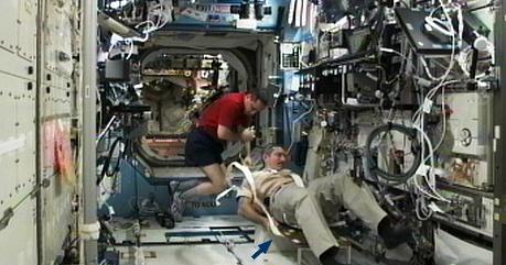[ISS] Expédition 30: déroulement de la mission - Page 2 Sans_555