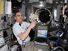 [ISS] Expédition 30: déroulement de la mission - Page 3 Sans_564