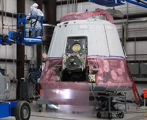 Falcon 9 / Dragon COTS-2: Préparatifs (Lancement le 19.05.2012 ) - Page 3 Sans_594